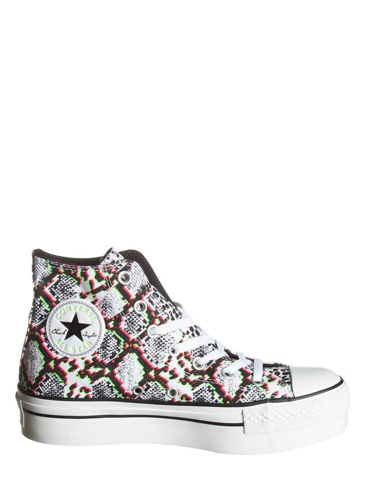 Converse Sneakers in Wei