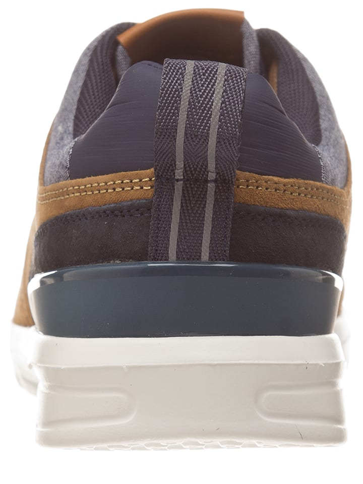 Pepe Jeans Sneakers in Braun