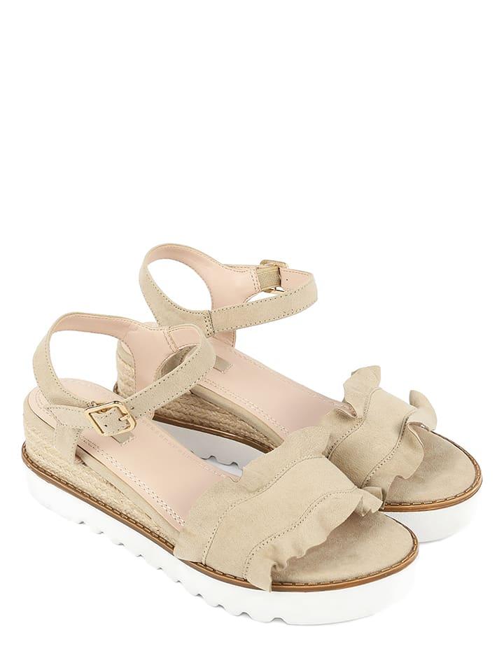 CHIKA10 Sandaletten in Beige