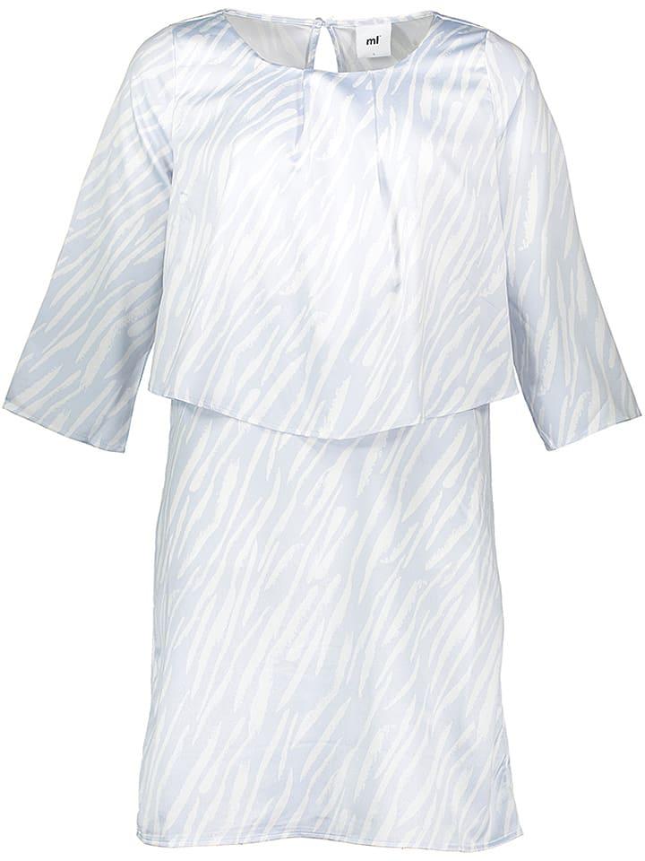 Mama licious Sukienka w kolorze błękitno-białym