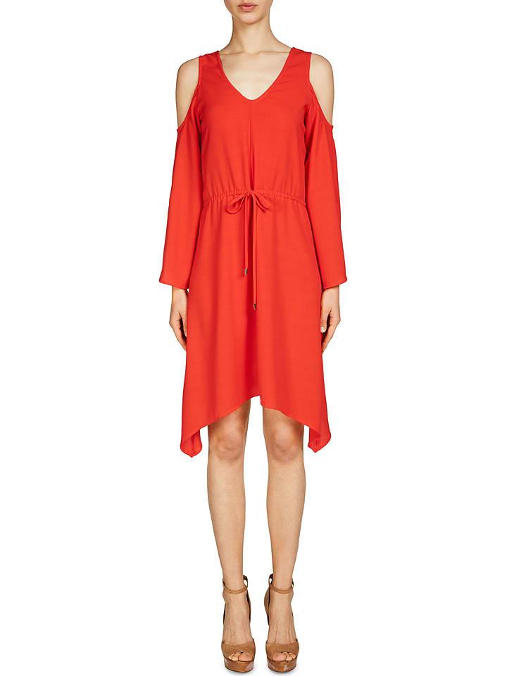 Kleid rot oui