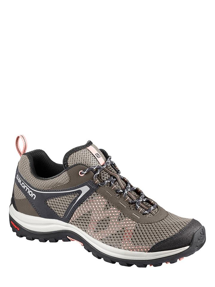 Découvrez notre sélection de Chaussures de Marche Salomon