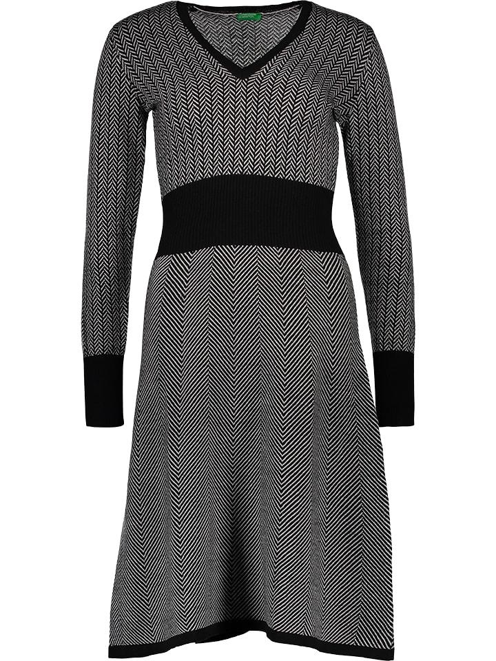 Benetton Sukienka dzianinowa w kolorze czarno-białym