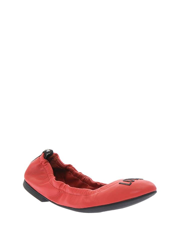 Love Moschino Skórzane baleriny w kolorze czerwonym