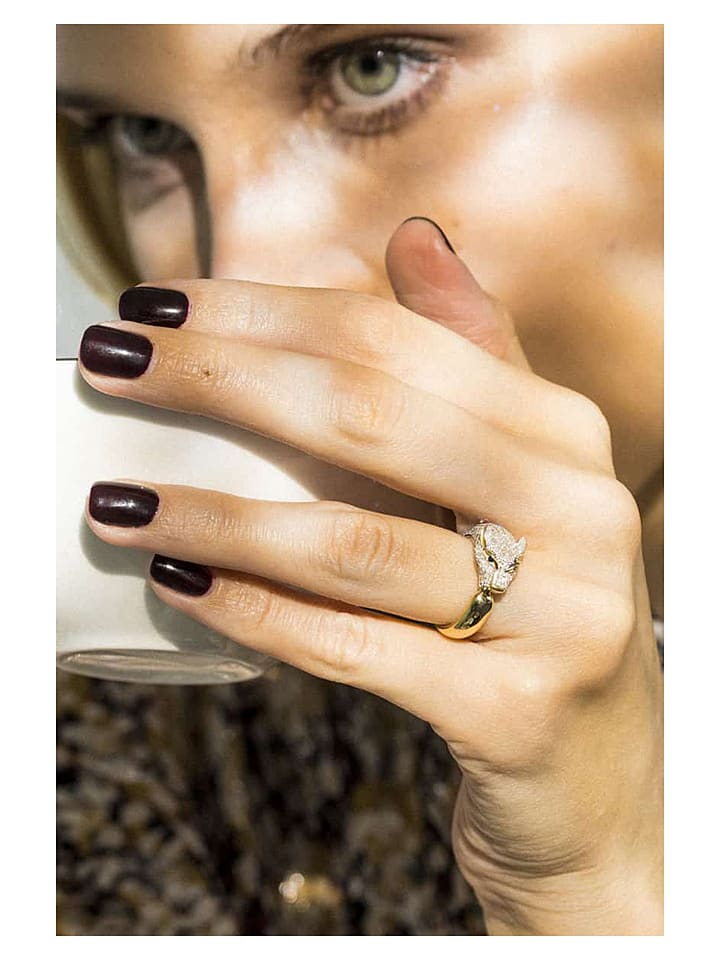 """Złoty pierścionek """"Ma Panthère"""" z diamentami i szafirami"""