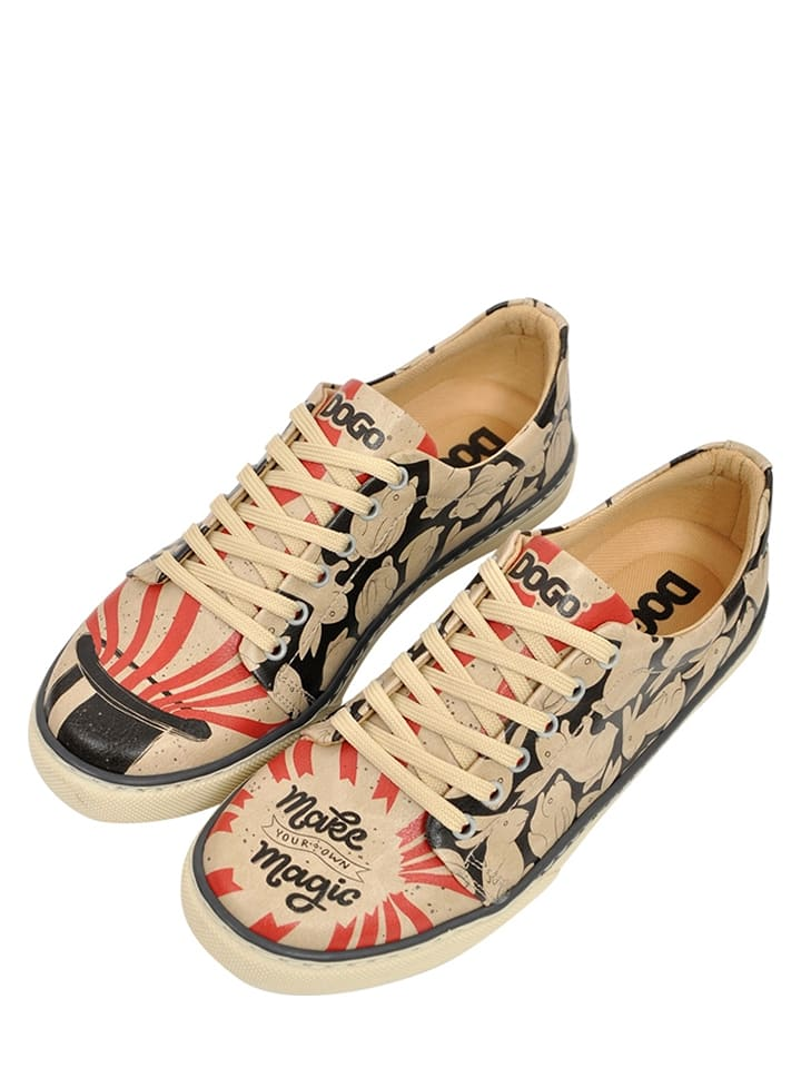 "Sneakersy ""Make Magic"" ze wzorem"