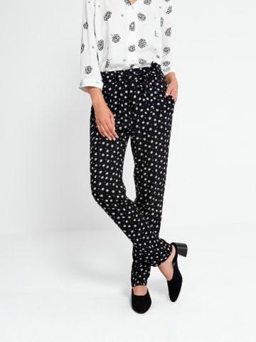 """Surkana Spodnie """"Brigitte"""" w kolorze czarno-białym"""