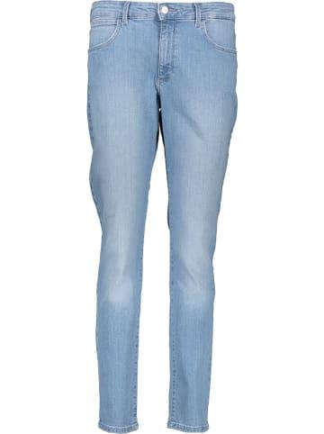 """Wrangler Dżinsy """"Body bespoke"""" - Slim fit - w kolorze błękitnym"""