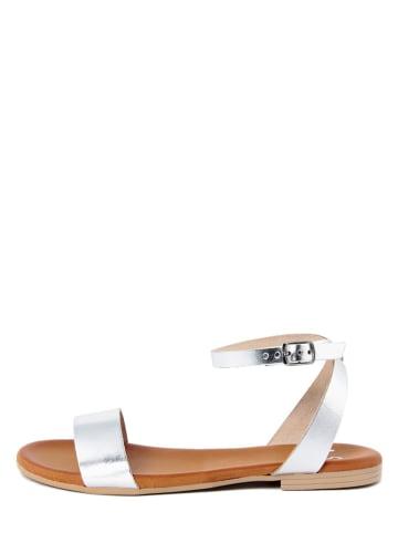 ALISSA Skórzane sandały w kolorze srebrnym