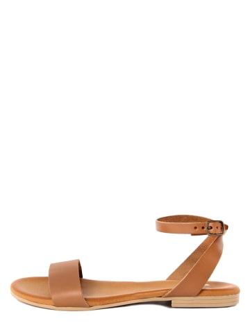 ALISSA Skórzane sandały w kolorze jasnobrązowym