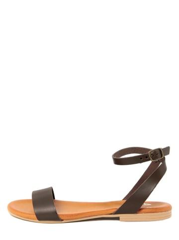 ALISSA Skórzane sandały w kolorze ciemnobrązowym