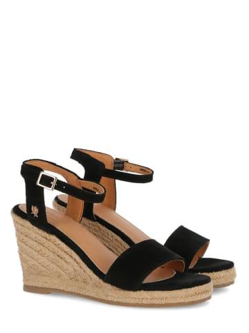 """Mexx Skórzane sandały """"Estelle"""" w kolorze czarnym na koturnie"""