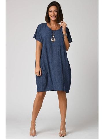"""Plus Size Fashion Sukienka """"Alba"""" w kolorze granatowym"""