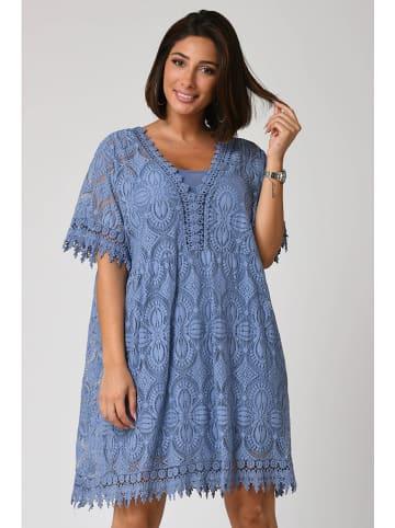 """Plus Size Fashion Kleid """"Fanny"""" in Blau"""