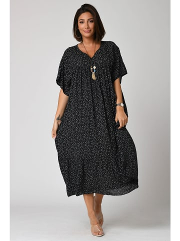 """Plus Size Fashion Sukienka """"Lana"""" w kolorze czarnym"""