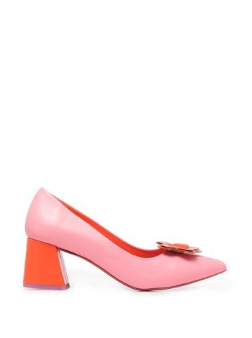 Agatha Ruiz de la Prada Skórzane czółenka w kolorze różowo-czerwonym