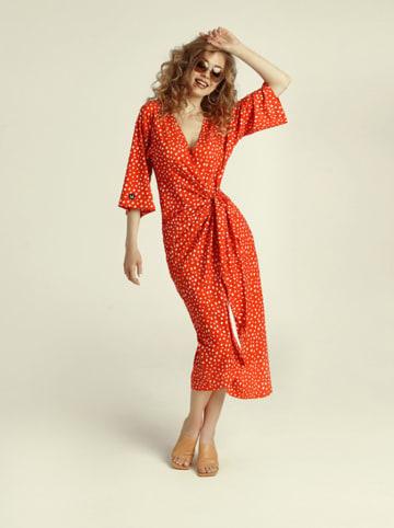 Madnezz Sukienka w kolorze czerwono-bezowym
