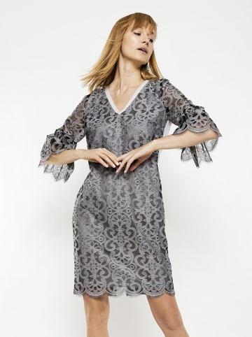 Deni Cler Sukienka w kolorze szaro-białym
