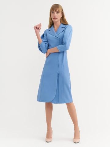BGN Sukienka w kolorze błękitnym