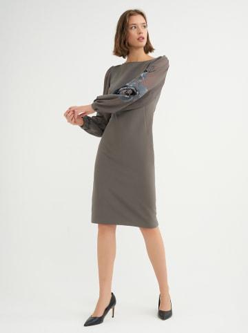 BGN Sukienka w kolorze antracytowym