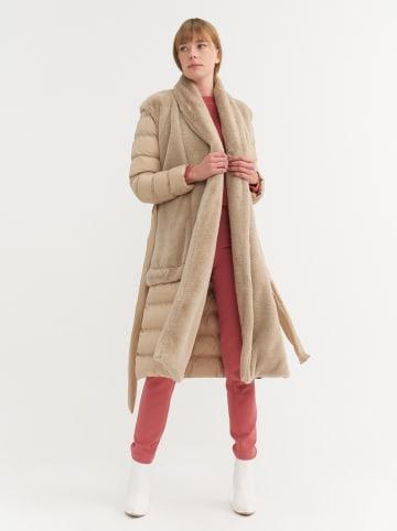BGN Płaszcz w kolorze beżowym