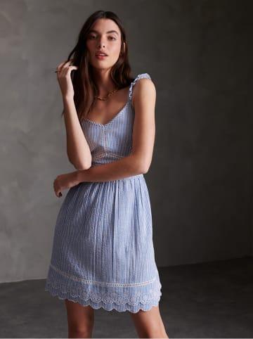 """Superdry Sukienka """"Gia Cami"""" w kolorze niebiesko-białym"""