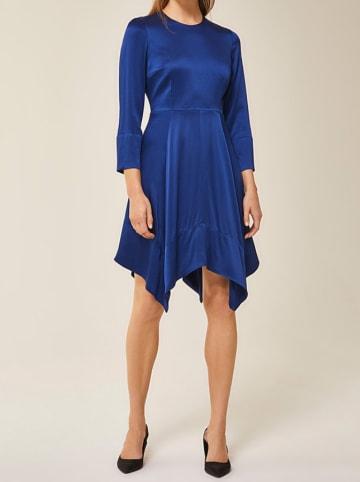 IVY & OAK Sukienka w kolorze niebieskim
