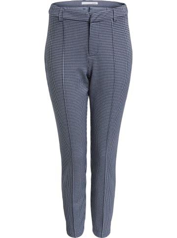 Oui Spodnie - Slim fit - w kolorze granatowym