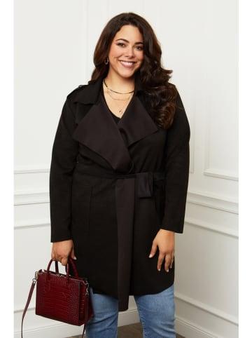 Curvy Lady Płaszcz przejściowy w kolorze czarnym