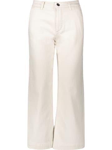 Marc O'Polo Dżinsy - Comfort fit - w kolorze kremiwym