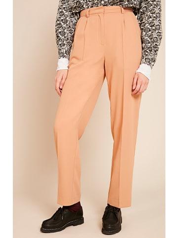 """American Vintage Spodnie """"Didaboo"""" w kolorze brzoskwiniowym"""