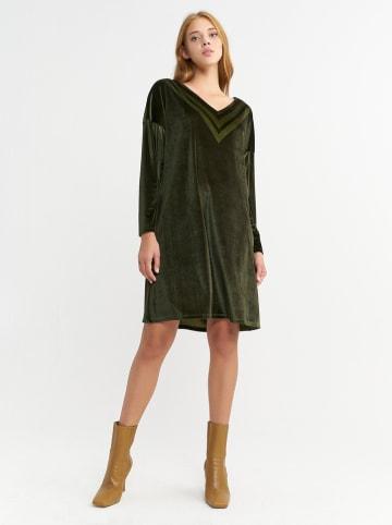 BGN Sukienka aksamitna w kolorze ciemnozielonym