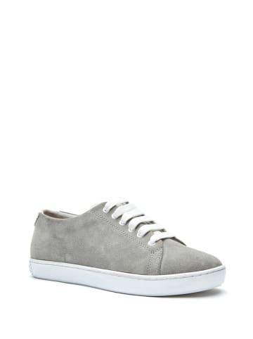 Comfortfusse Skórzane sneakersy w kolorze szarym