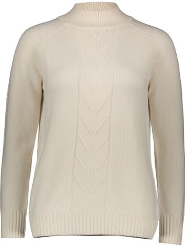 Malvin Sweter w kolorze kremowym