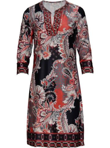 Malvin Sukienka w kolorze czerwono-czarnym