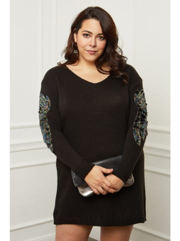 Curvy Lady Sukienka w kolorze czarnym