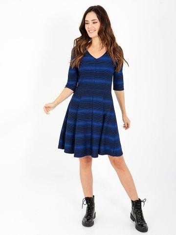 """Smash Sukienka """"Cosset"""" w kolorze niebiesko-czarnym"""