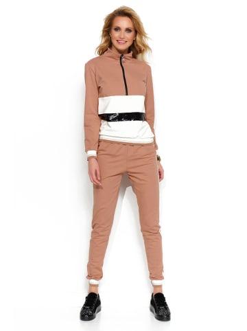 Makadamia 2-delige outfit: sweatshirt en broek beige