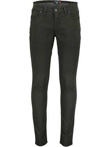 STATE OF ART Spodnie - Slim fit - w kolorze zielonym