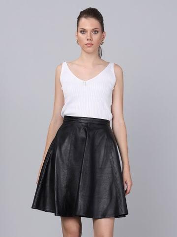 Basics & More Skórzana spódnica w kolorze czarnym