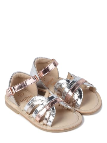 Carrément beau Skórzane sandały w kolorze srebrnym