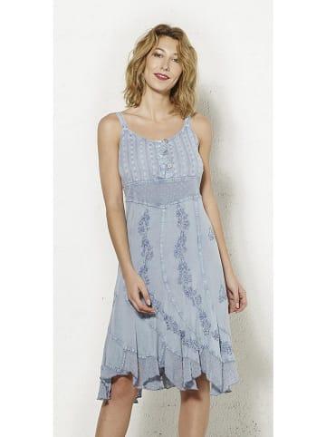 Coline Sukienka w kolorze błękitnym