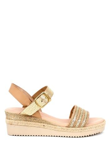 Qualä Skórzane sandały w kolorze beżowo-złotym