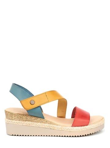 Qualä Skórzane sandały w kolorze żółto-czerwono-niebieskim
