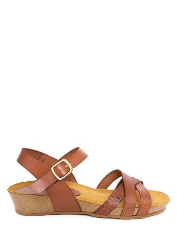 Qualä Skórzane sandały w kolorze jasnobrązowym