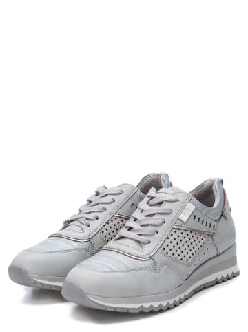 Xti Sneakersy w kolorze szarym