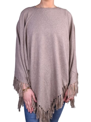 ¡MUCHO GUSTO! Poncho in Taupe
