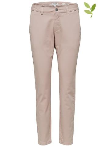 """SELECTED FEMME Spodnie chino """"Meghan"""" w kolorze jasnoróżowym"""