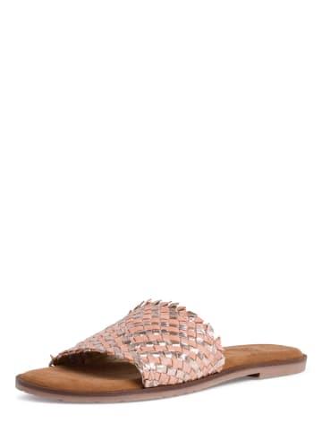 Tamaris Skórzane klapki w kolorze srebrno-jasnoróżowym