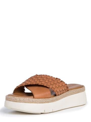 Tamaris Leren slippers lichtbruin